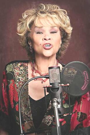Этта Джеймс (Etta James) - после шунтирования желудка потеряла более 100 кг.